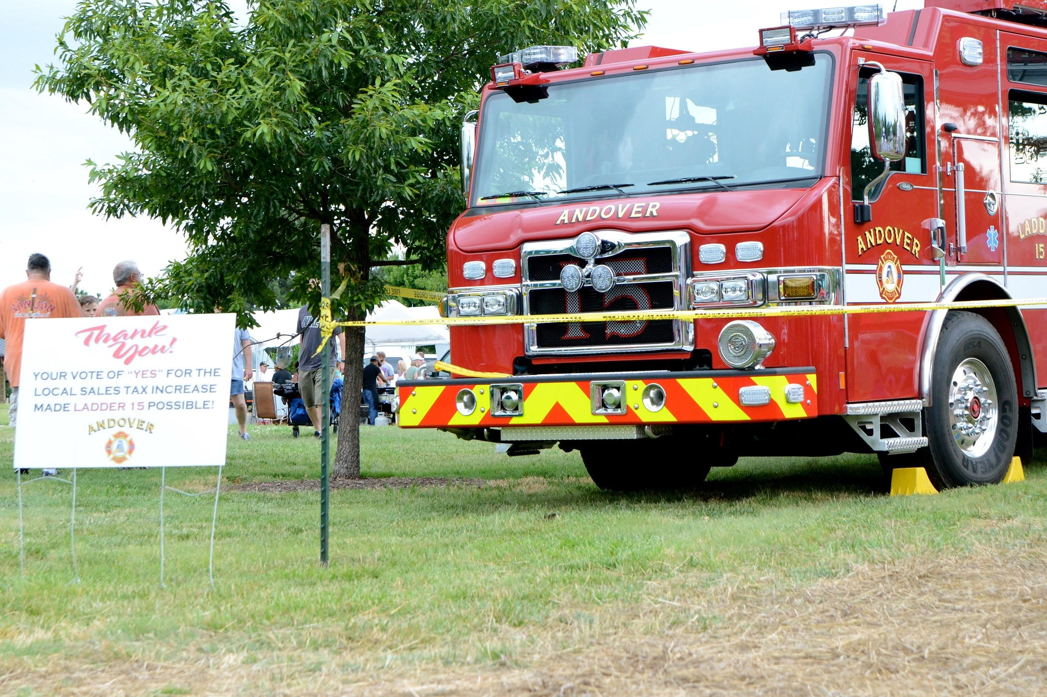new ladder truck and thank you signresized.jpg